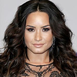 Pop Star Demi Lovato Pops Out Jay Glazer's Tooth